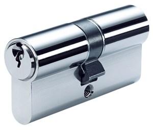 cilindertrekken slot uit deur halen